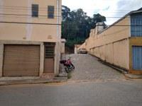 Indicação pede a colocação de braço de luz no poste da Rua Santa Cruz, na altura do n°165