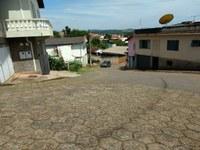 Indicação pede a colocação de redutores de velocidade, com a devida sinalização e faixa de pedestres, entre a Praça São Sebastião (fundos) e a Rua Monsenhor Paulo