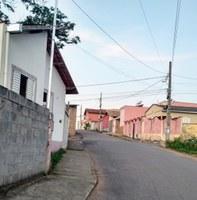 Indicação pede a colocação de um braço de luz no poste localizado na Rua Vitório Garotti