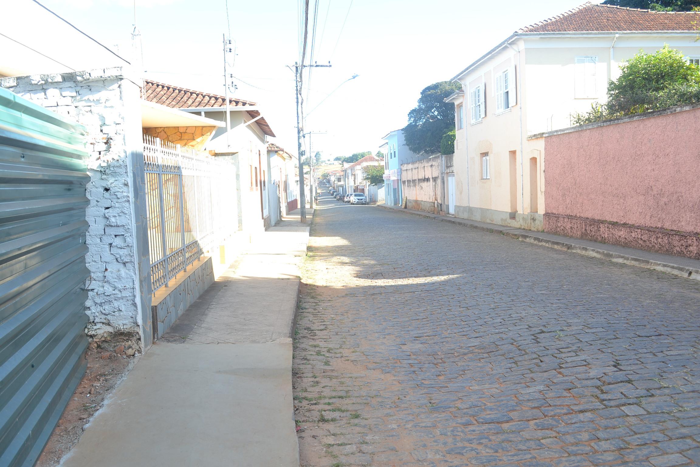 Indicação pede a construção de redutores de velocidade em todos os entrocamentos das Ruas Evaristo da Veiga