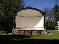 Indicação pede a construção de um palco em frente à igreja do Rosário em estilo concha acústica