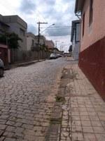 Indicação solicita a ampliação junto ao Departamento de Obras da galeria pluvial em toda a extensão da Rua Vital Brasil.