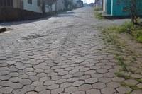 Indicação solicita a Correção com nivelamento da Rua Paulo Ferreira Lopes, no Bairro Santa Tereza