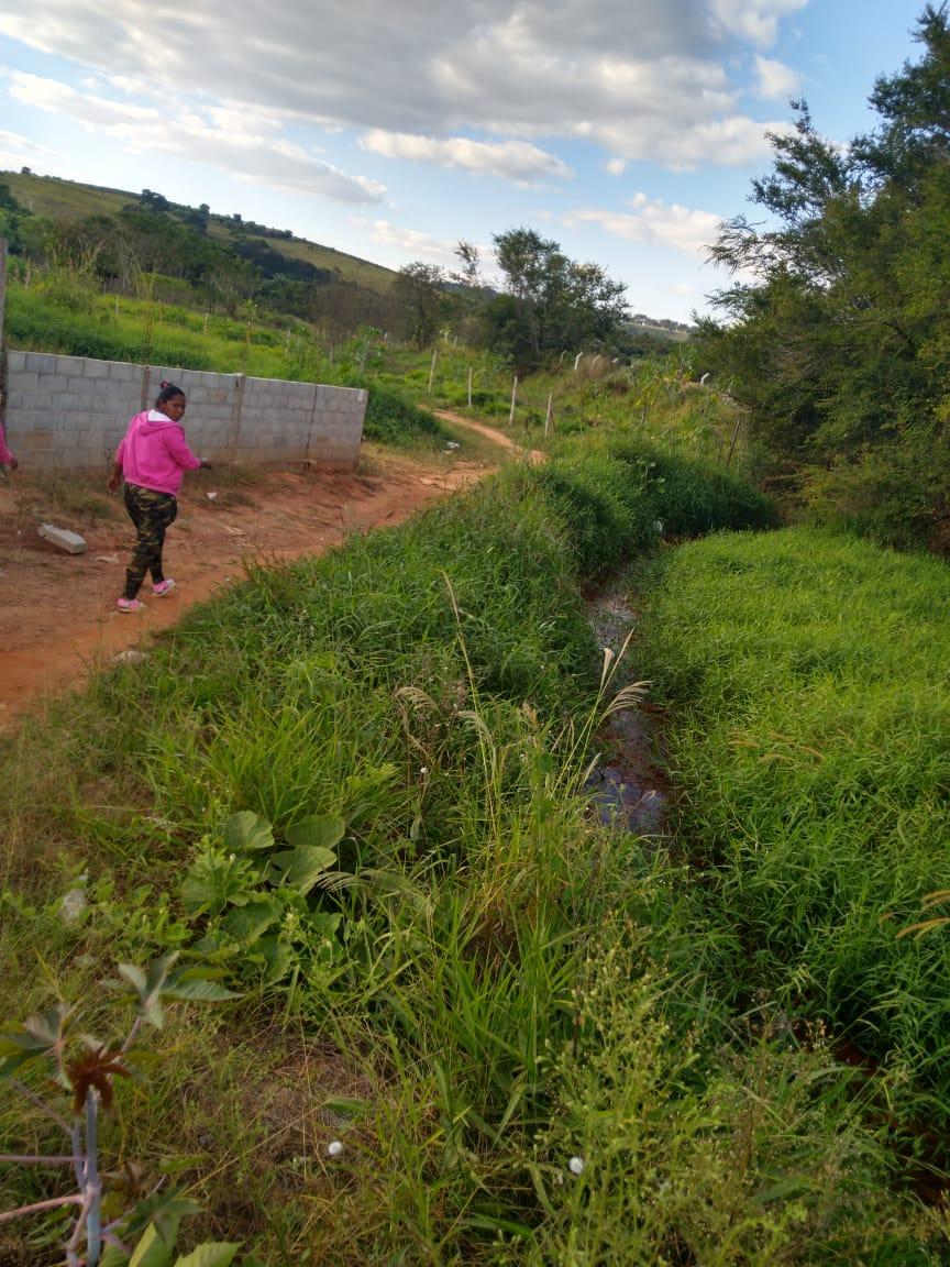 Indicação solicita a limpeza do Ribeirão Santo Antônio no trecho que compreende os fundos do Bairro Dr. Jefferson de Oliveira