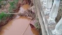 Indicação Solicita o desentupimento das manilhas que passam por baixo da Rodovia Vital Brazil, Br-267