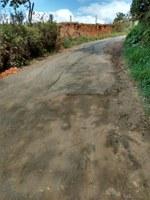 Indicação solicita realizar o recapeamento/ operação tapa-buracos na Rua Marechal Deodoro,  saída do Bairro Santa Cruz