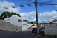 Indicação -  Substituição da lâmpada que está queimada no poste de iluminação da esquina da Rua Monsenhor Paulo com a Rua Dr. Cesarino.