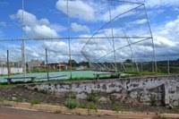 Requerimento - Informar se há impedimento por parte da Prefeitura na reforma da quadra do Bairro Vila Reis